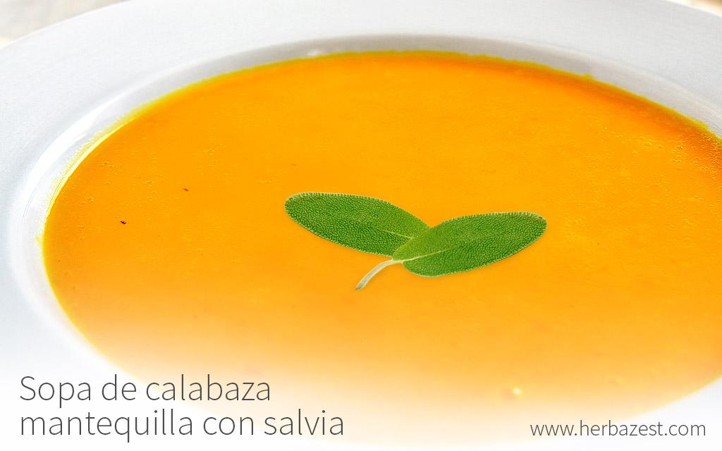 Sopa de calabaza mantequilla con salvia