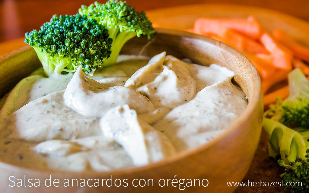 Salsa de anacardos con orégano